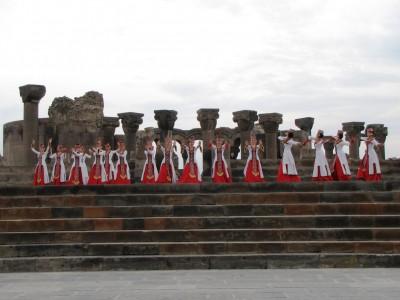 «Զվարթնոցում» ներկայացվեցին  հայկական պարերը