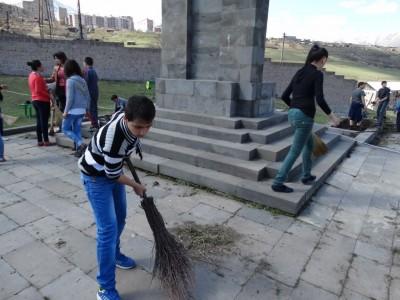 Մաքրվել են Լոռու մարզի հուշարձանները