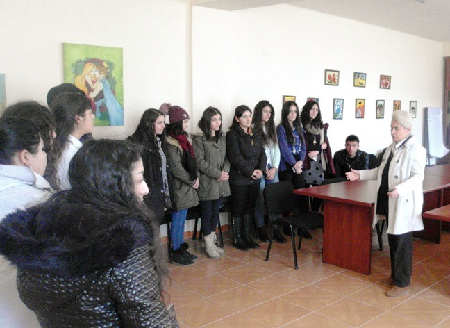 THE  COLLECTION  OF  YEGHEGNADZOR'S  GEOLOGICAL  MUSEUM  HAS  BEEN PRESENTED
